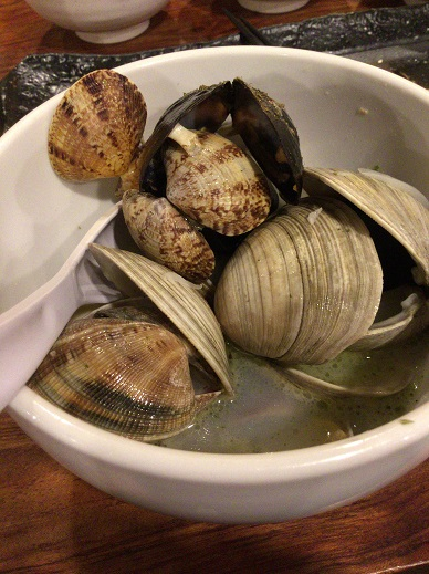 貝のワイン蒸し