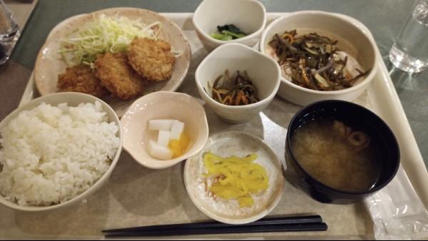 食堂の定食