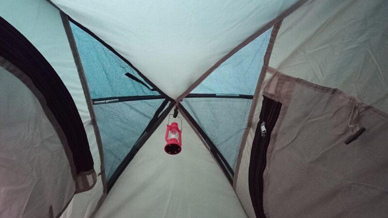 テント内部の天井