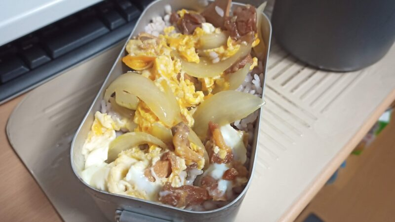 焼き鳥缶で作った親子丼