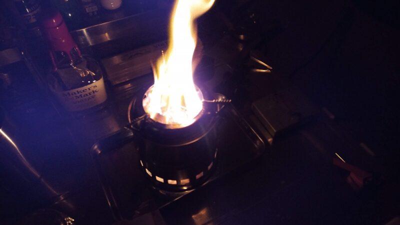 ウッドストーブで焚き火