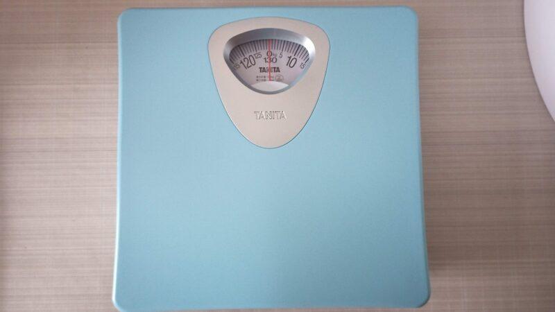 タニタのアナログ体重計